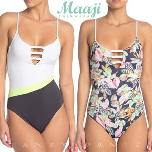 NWT Maaji Reversible One Piece Lace Up Swimsuit 🔥